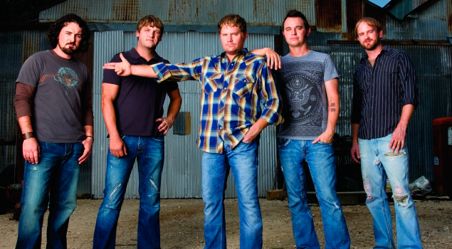 Randy Rogers Band Performs Live @ Spinnaker!